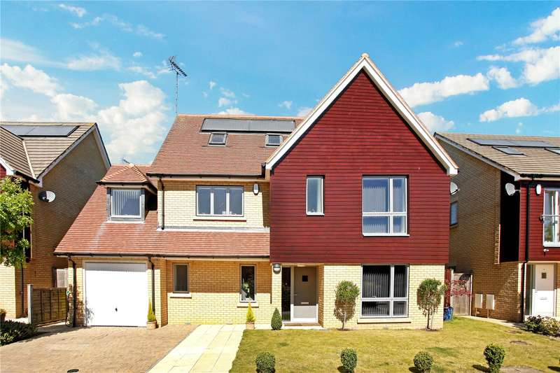 5 Bedrooms Detached House for sale in Caterham Court, Caterham, Surrey, CR3