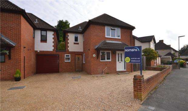 4 Bedrooms Detached House for sale in 19B Grovefields Avenue, Frimley, Camberley, GU16 8PA