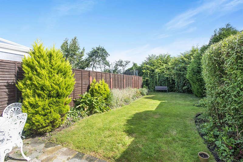 4 Bedrooms Semi Detached House for sale in Devonshire Avenue, Dartford, DA1