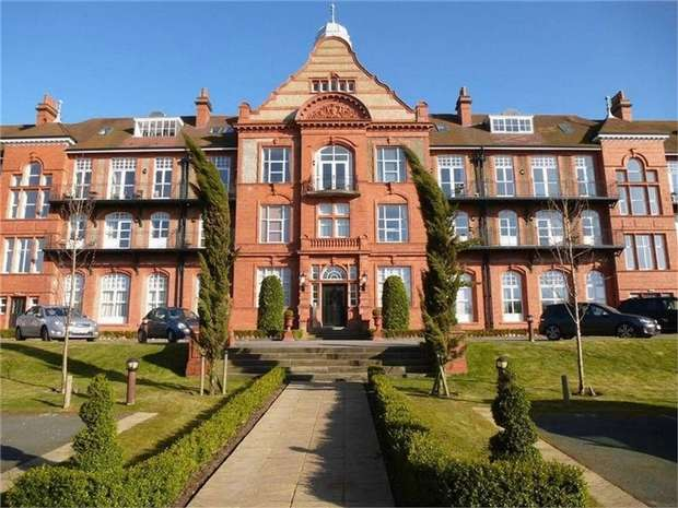 1 Bedroom Flat for sale in Kingswood Park, Kingswood, Frodsham, Cheshire