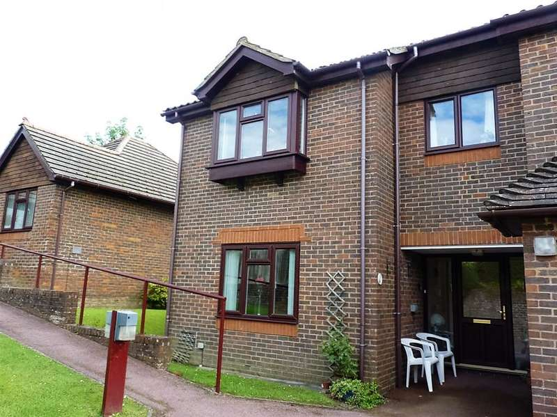 1 Bedroom Flat for sale in Alexandra Road, Heathfield, East Sussex, TN21 8EB