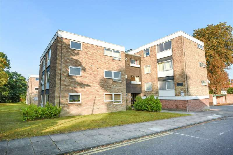 1 Bedroom Apartment Flat for sale in Camberley Towers, 40 Upper Gordon Road, Camberley, Surrey, GU15