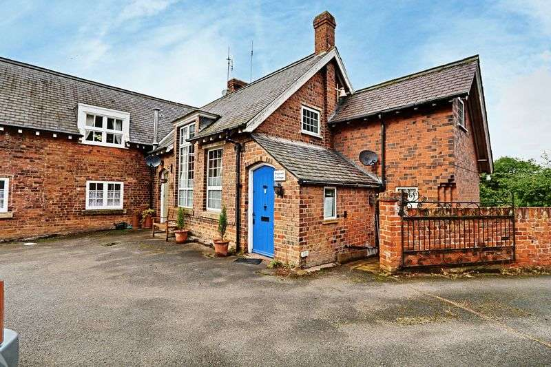 3 Bedrooms Terraced House for sale in Rowley Road, Little Weighton
