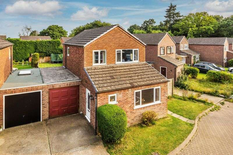 3 Bedrooms Detached House for sale in Beare Green