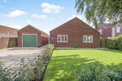 3 Bedrooms Bungalow for sale in Sutterton Drove, Amber Hill, Boston, Lincolnshire