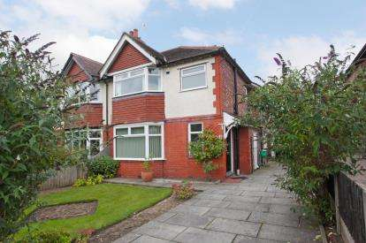 3 Bedrooms House for sale in Bridge Lane, Bramhall, Stockport, Cheshire