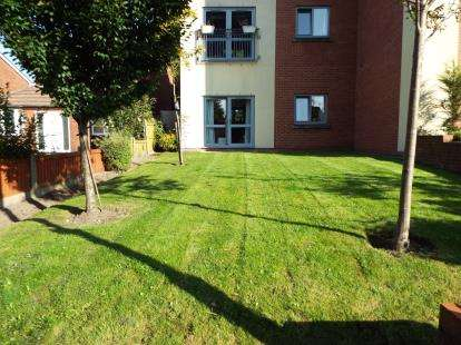 1 Bedroom Flat for sale in White Cross Court, Borron Road, Newton-Le-Willows, Merseyside