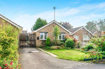 2 Bedrooms Bungalow for sale in Stroud Avenue, Willenhall, West Midlands