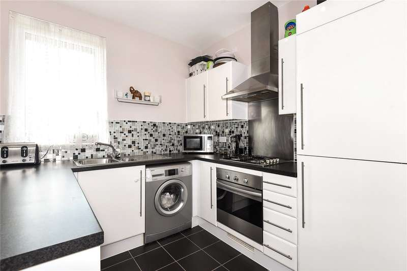 3 Bedrooms Apartment Flat for sale in Astral Court, Station Approach, South Ruislip, Middlesex, HA4