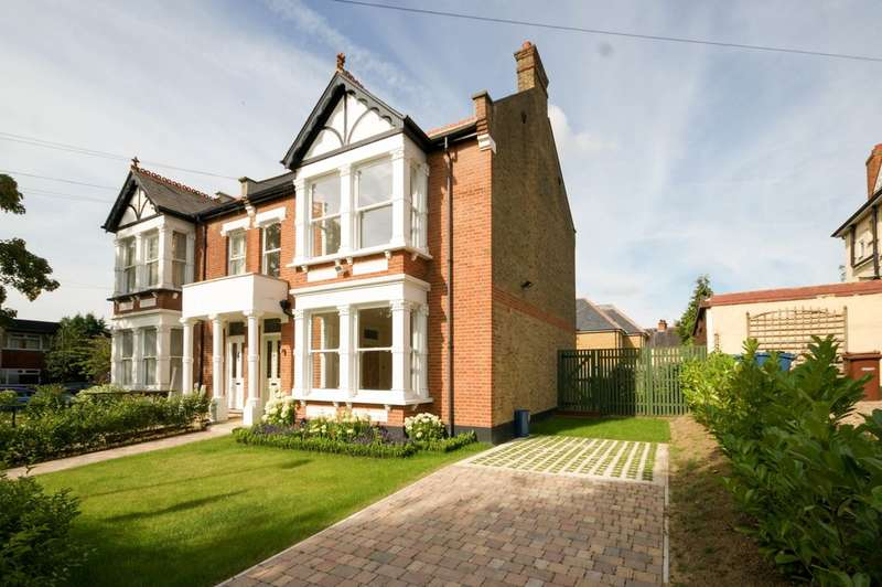 4 Bedrooms Semi Detached House for sale in Nower Hill, Pinner