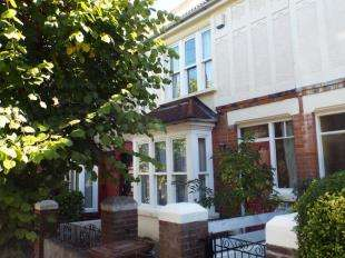 3 Bedrooms Terraced House for sale in York Road, Rochester, Kent