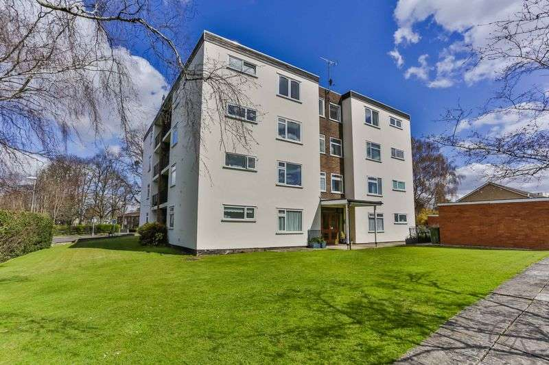 2 Bedrooms Flat for sale in Hatherley, Cheltenham