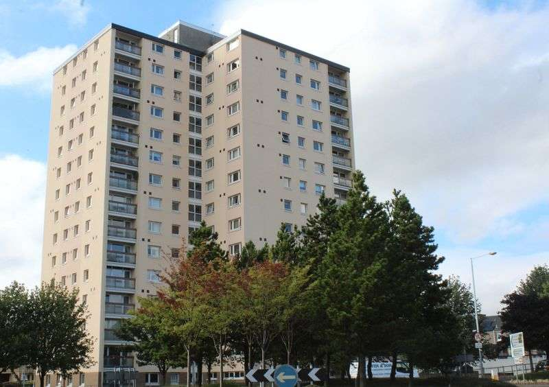 2 Bedrooms Flat for sale in Ravens Craig, Kirkcaldy