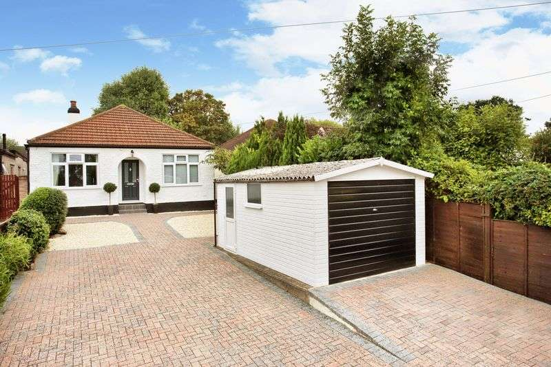 3 Bedrooms Detached Bungalow for sale in Borehamwood, Hertfordshire