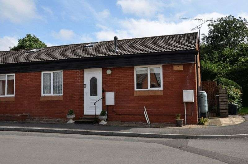 2 Bedrooms Semi Detached Bungalow for sale in Summerlands, Backwell