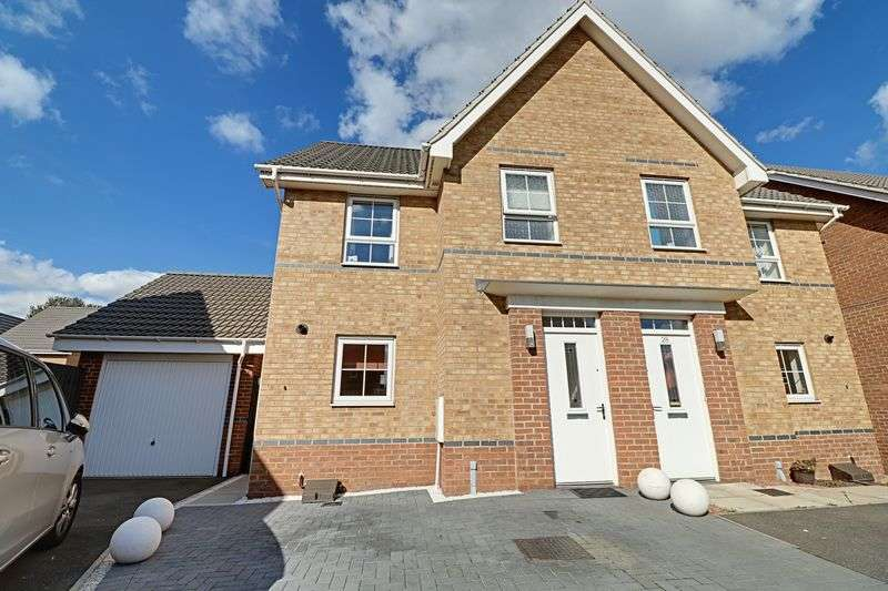 3 Bedrooms Semi Detached House for sale in Osprey Drive, Scunthorpe