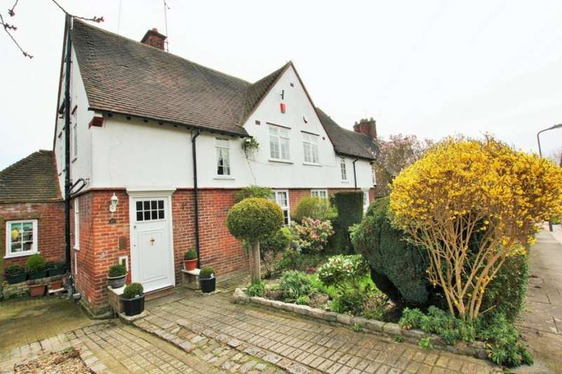 4 Bedrooms Semi Detached House for sale in Midholm, Hampstead Garden Suburb NW11