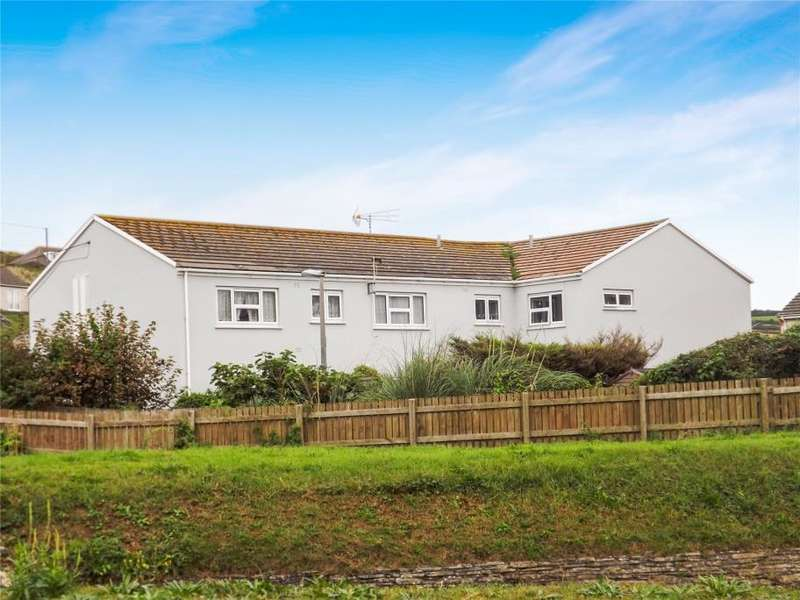 1 Bedroom Flat for sale in West View, Perranporth