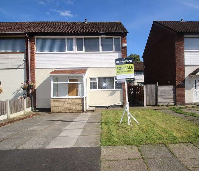 2 Bedrooms Semi Detached House for sale in Alexandra Road, Manchester, M26