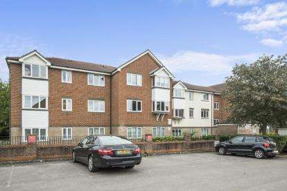1 Bedroom Flat for sale in Badger Court, Pinemartin Close, Dollis Hill, London