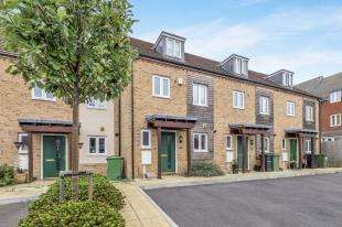 3 Bedrooms Terraced House for sale in Melrose Close, Maidstone, Kent, .