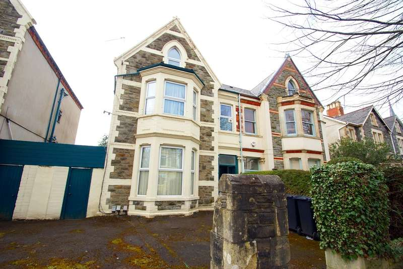 5 Bedrooms Semi Detached House for sale in Oakfield Street