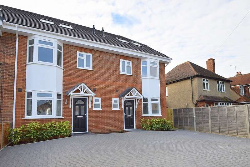 3 Bedrooms Terraced House for sale in Victoria Road, Eton Wick, Windsor, SL4