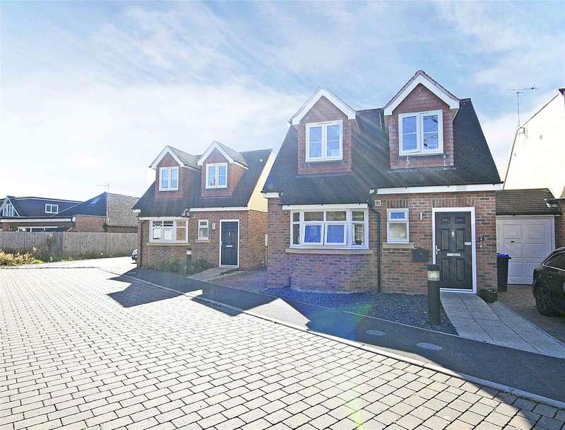 3 Bedrooms Link Detached House for sale in Park Close, Byfleet, West Byfleet, Surrey, KT14