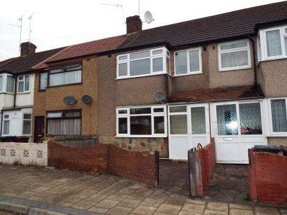 House for sale in Dagenham, Essex, .