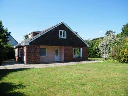 5 Bedrooms Bungalow for sale in Fawley