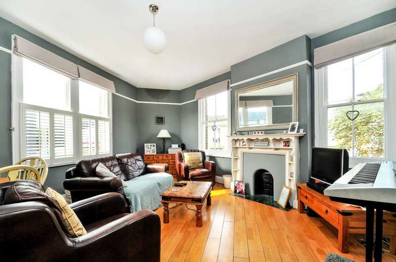 2 Bedrooms Flat for sale in Barrowgate Road, Chiswick, W4