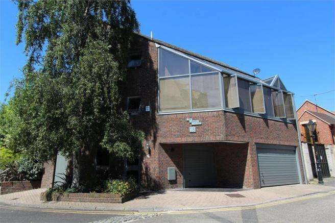 3 Bedrooms Town House for sale in Strand Street, Poole, Dorset, BH15