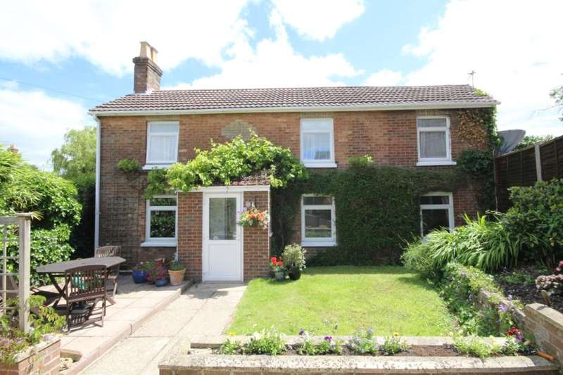 3 Bedrooms Detached House for sale in Dunford Road, Parkstone, Poole, Dorset, BH12