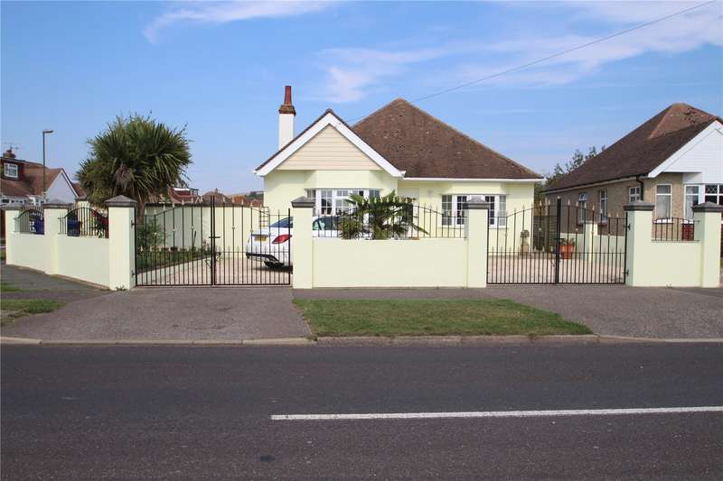 2 Bedrooms Detached Bungalow for sale in Crabtree Lane, Lancing, West Sussex, BN15