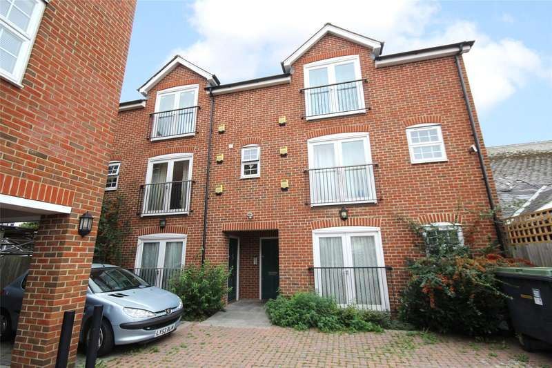 Apartment Flat for sale in Priory Mews, Guildford Street, Chertsey, Surrey, KT16