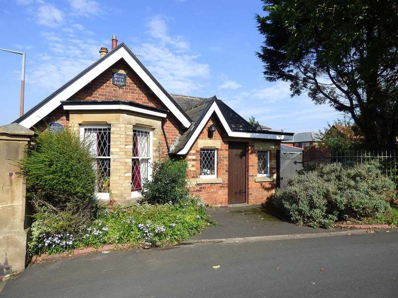 2 Bedrooms Detached Bungalow for sale in `Starr Hills Lodge`, Ansdell Road South, Ansdell, Lytham St. Annes