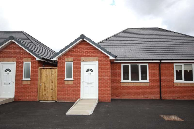 2 Bedrooms Detached Bungalow for sale in Middlemass Hey, Netherley, Liverpool, L27