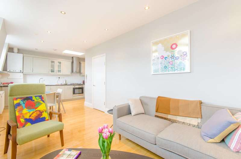 1 Bedroom Flat for sale in Brooksby's Walk, Clapton, E9