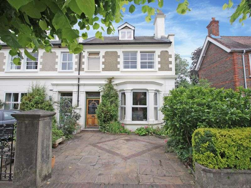 4 Bedrooms Semi Detached House for sale in A four bedroom three storey semi-detached house with elegant proportions, period features and high ceilings. Although requiring some refurbishment, th