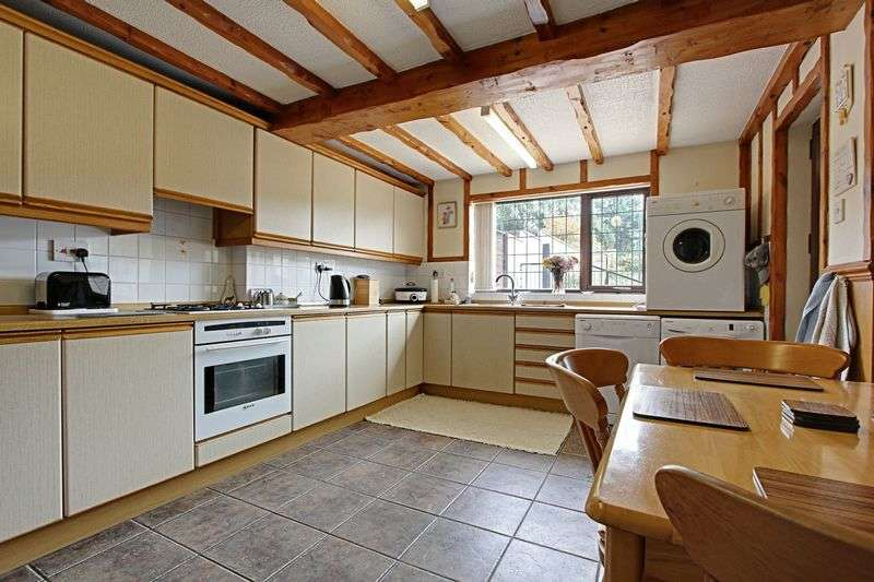 3 Bedrooms Semi Detached House for sale in West Street, Barnetby
