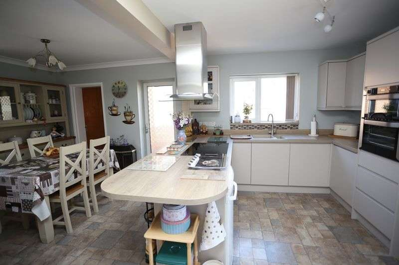 3 Bedrooms Detached House for sale in Scott Drive, Exmouth