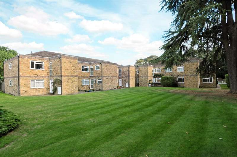 3 Bedrooms Flat for sale in Hambleton, Burfield Road, Old Windsor, Windsor, SL4
