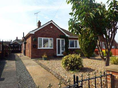 3 Bedrooms Bungalow for sale in West Lynn, King's Lynn, Norfolk
