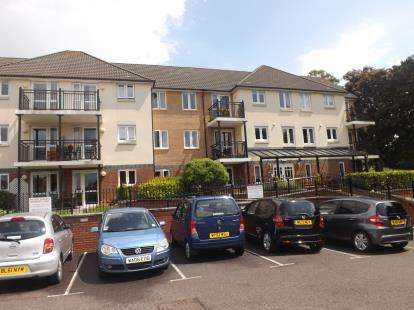 1 Bedroom Flat for sale in Yeovil, Somerset, Uk