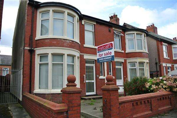 3 Bedrooms Semi Detached House for sale in Woburn Road, Blackpool