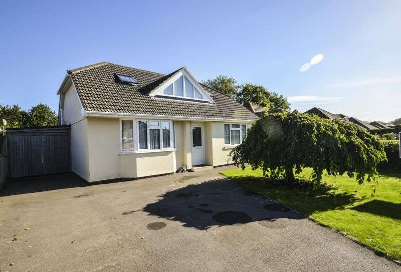 4 Bedrooms Detached Bungalow for sale in Hordle