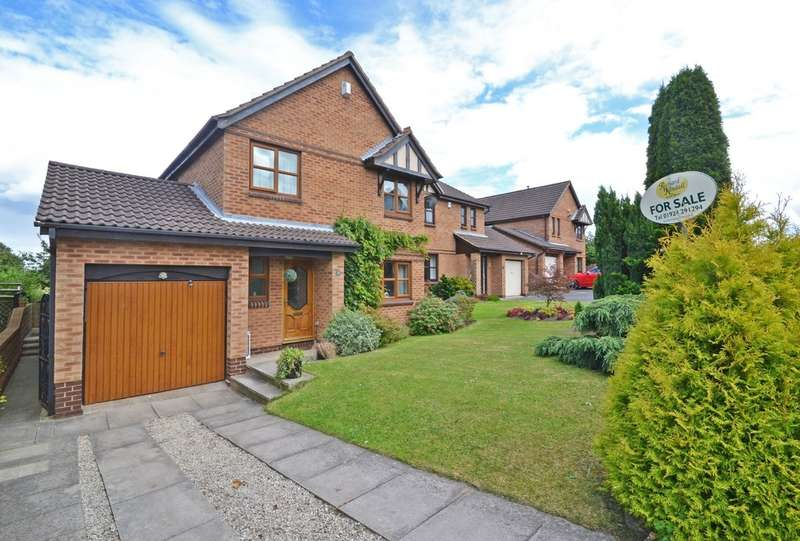 3 Bedrooms Detached House for sale in Langdale Mount, Walton, Wakefield