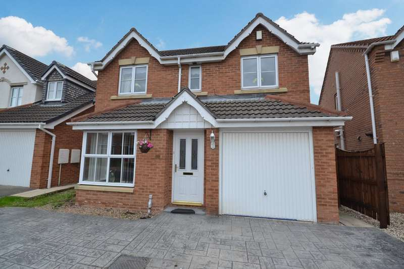 4 Bedrooms Detached House for sale in Lakeside Park, Normanton
