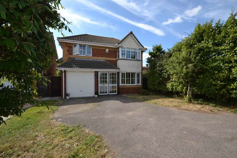 4 Bedrooms Detached House for sale in Wicklow Walk, Southend-on-Sea, Essex, SS3