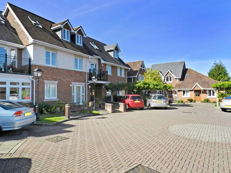 1 Bedroom Retirement Property for sale in Latchmoor Court, Brockenhurst, SO42 7PY